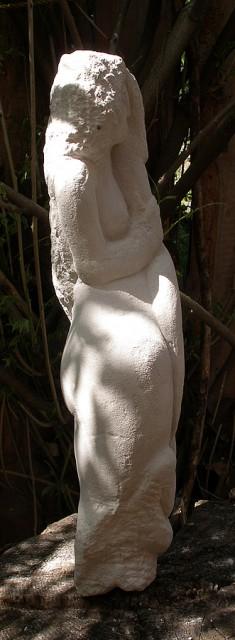 Frau mit Schlange / Sandstein 2008