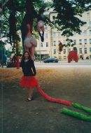 Skulpturen-Kostüme Penis- Kunstprojekt Dolly Baum, Alexandra Holownia