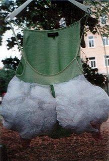 Skulpturen Kostüme- Dolly Baum Projekt 2002, Alexandra Holownia