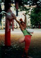 Skulpturen Kostüme Brust und Po- Dolly Baum Projekt 2002, Alexandra Holownia