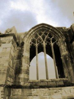 Ruine mit Wolken2, Sascha Bernard
