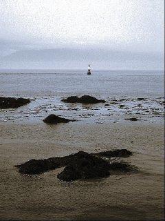 Leuchtturm im blauen Meer, Sascha Bernard