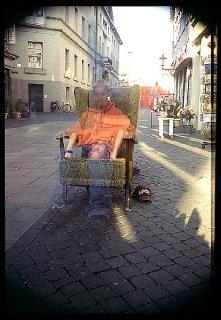 One Minute - Handstand, Gerrit Brodmann